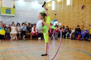 Выступление юной гимнастки вызвало шквал аплодисметнов