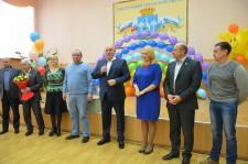 Депутаты поздравляют детский дом