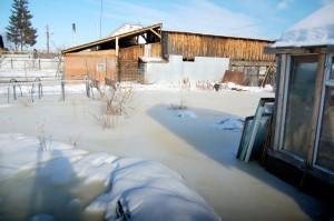 Огород на ул. Набережной затоплен напрочь
