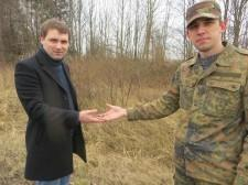 Вячеслав Чернавских  и Николай Фляум - передача ордена