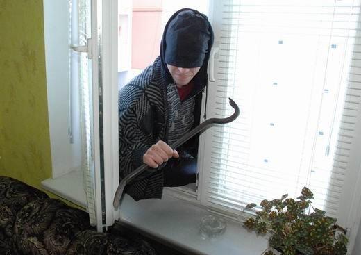 На Харьковщине односельчанин обворовал своего соседа