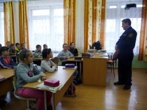 Пожарные встретились с никольскими школьниками